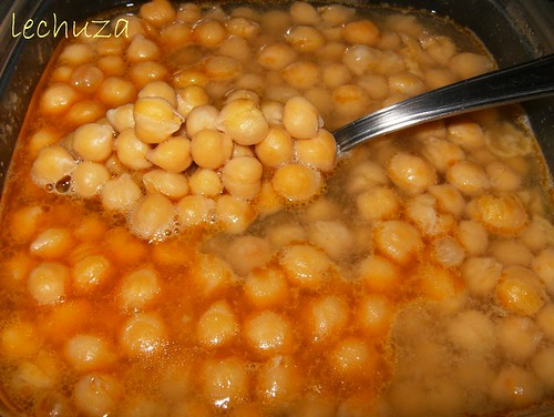 Pollo con garbanzos-garbanzos