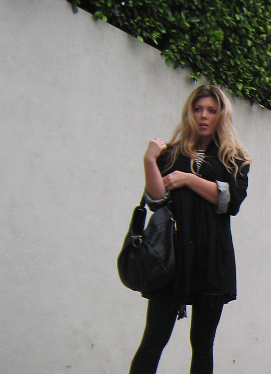 black outfit+man's blazer+over size blazer+oversized+ferragamo bag