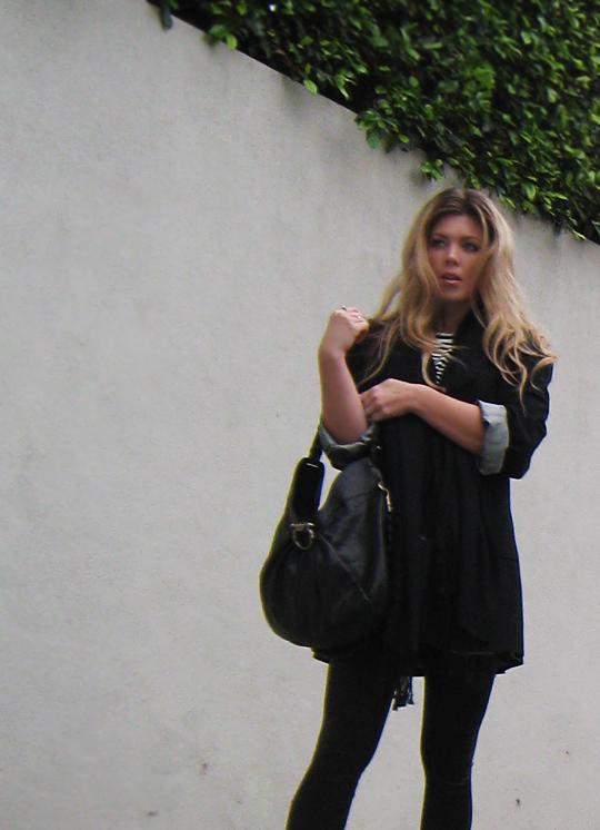black outfit+man's blazer+over size blazer+oversized+ferragamo bag