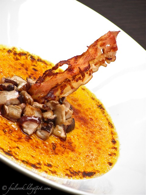 Crème brulée di zucca con porcini e pancetta croccante