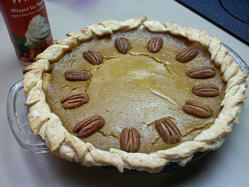 Homemade vegan pumpkin pie - Thanksgiving 2010