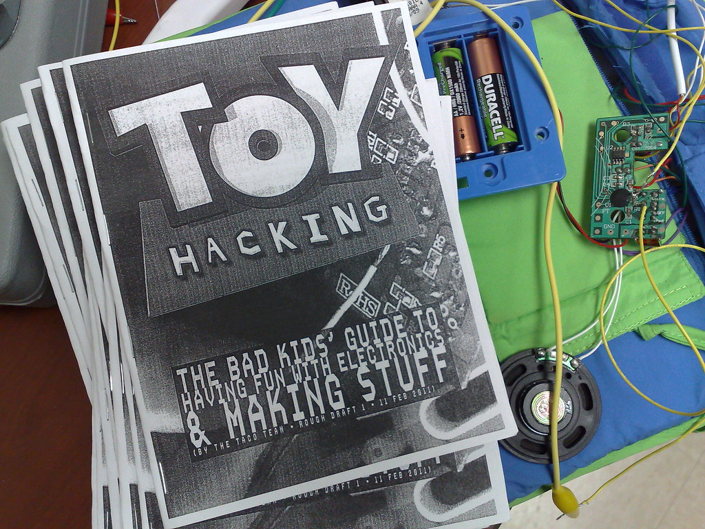 The Worlds Best Photos Of Circuit And Soldering Flickr Hive Mind Circuitbending Workshop At British Science Festival Toy Hacking Zine V1 Bending Booklet For Kids Made By Taco Team