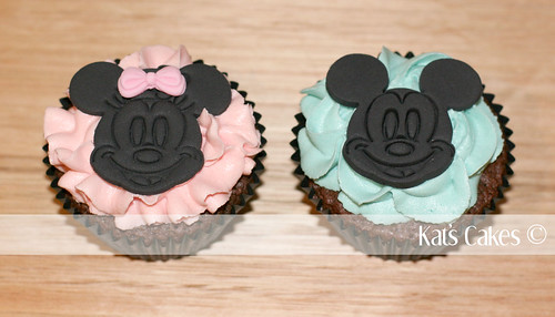 minnie mouse cupcakes. Minnie Mouse / Mickey Mouse