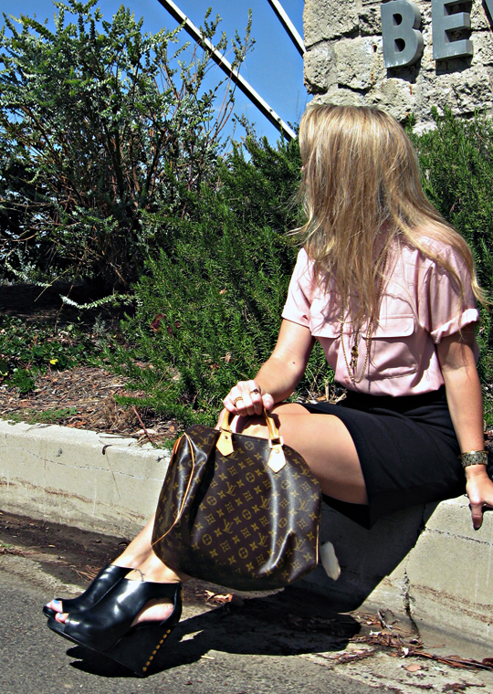 curb+be+black cut out wedges with studs+pour la victoire shoes+louis vuitton speedy bag+blond hair