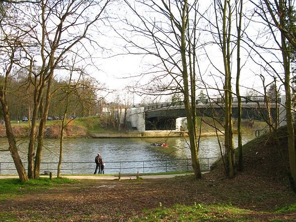 river bank1