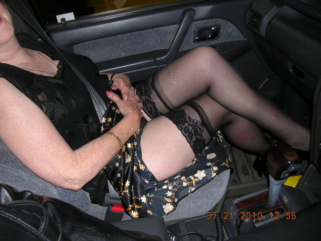 Intelligible amateur flashing stockings
