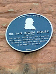 Photo of Jan Ingen Housz blue plaque