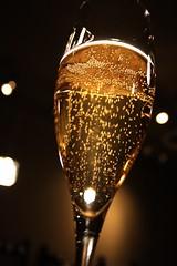 Livet er for kort til å drikke champagne, mener stadig flere som aldri har drukket champagne.