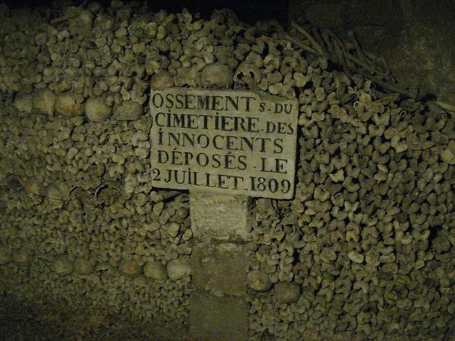 Ossements du Cimetiere des Innocents deposes la 2 Juillet 1809