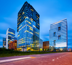 Amsterdam rocks (xavibarca) Tags: panorama glass arquitetura architecture buildings concrete arquitectura shift infrastructure architektur  grattacielo urbanism  architettura futuristic architectuur rascacielos wolkenkratzer gratteciel  wolkenkrabber   arranhacus      canon5dmarkii canontse17 xavibarca   amsterdamskyscraper