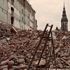 destroyed Leipzig (duqueıros) Tags: city church germany deutschland europa europe kirche leipzig sachsen stadt ladder destroyed 2010 nowar leiter zerstört schutt duqueiros