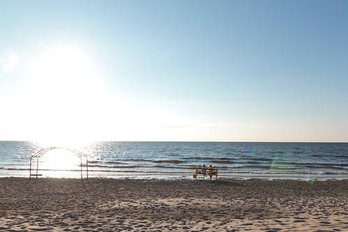 На берегу
