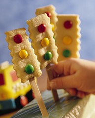 Stop-and-Go Cookie Pops (Betty Crocker Recipes) Tags: red cute green yellow kids recipe dessert trafficlight egg greenlight recipes stoplight redlight goldmedal bettycrocker goldmedalflour yellowlight generalmills cookiemix dessertrecipe craftsticks kidrecipe stopandgocookiepops