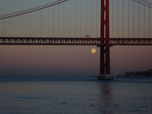 Full Moon over the Tagus