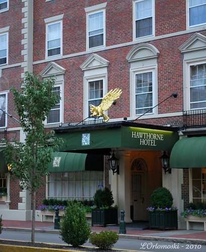 Main Entrance of the Hawthorne Hotel