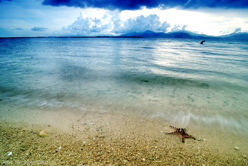 Palawan Philippines by Rellie Manlapaz