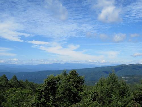 蓼科高原から西に霧ケ峰・乗鞍岳方面を望む by Poran111