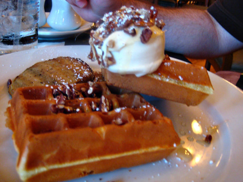 Classic Golden Waffle @ Kouzzina
