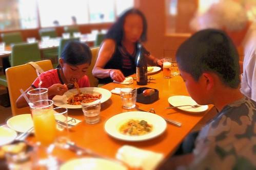 """新横浜""""Amalfi""""で義父母と一緒に夕食。"""