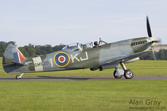 G-ILDA VICKERS SUPERMARINE SPITFIRE T9 CBAF.10164 PRIVATE - 100905 Duxford - Alan Gray - IMG_3511
