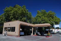 20100731 Mobil Service Station, ca. 1939-1942