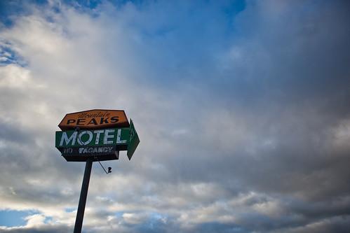 Twin Peaks Motel