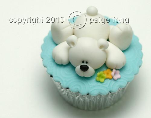 Fondant Polar Bear Cupcake