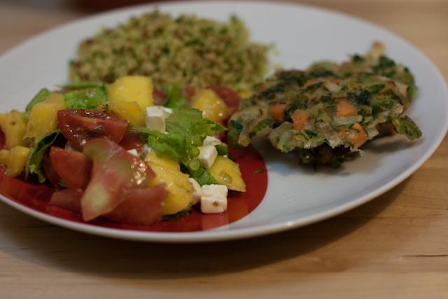pataniscas+broa+salada