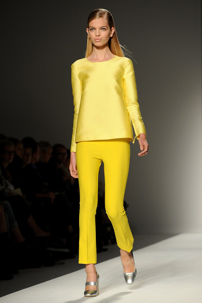Max+Mara+Milan+Fashion+Week+Womenswear+2011+r-yi3fBNpTcl