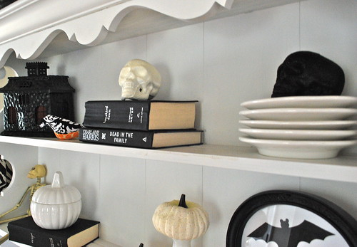 halloween hutch decor