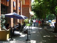 Burbank, CA (by: citta-vita, creative commons license)