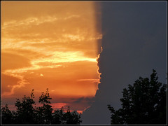 Ssame, ouvre-toi ! (lo46) Tags: sunset orange france lot ciel athome nuages midipyrnes lo46 departementdulot artofimages ssameouvretoi