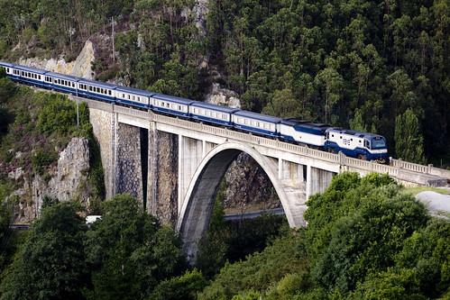 El Transcantabrico on the Luarca Bridge