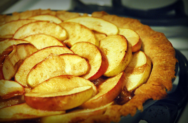 Lazy Caramel Apple Pie