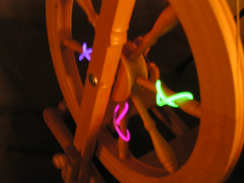 Spinning wheel has glow-bling!