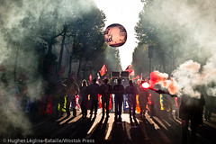(Hughes Lglise-Bataille) Tags: paris france smoke protest demonstration fra manif manifestation 2010 fume pensions retraites rforme