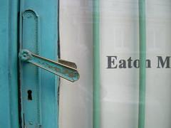rue de la Réunion (MAP66) Tags: réunion bagnolet portes serrures vitruve maraîchers