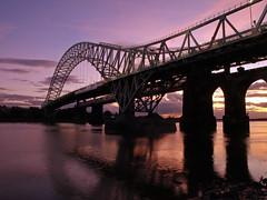 Runcorn sunset (Mr Grimesdale) Tags: olympus mersey runcorn merseyside halton e510 rivermersey runcornbridge stevewallace runcornwidnesbridge mrgrimesdale