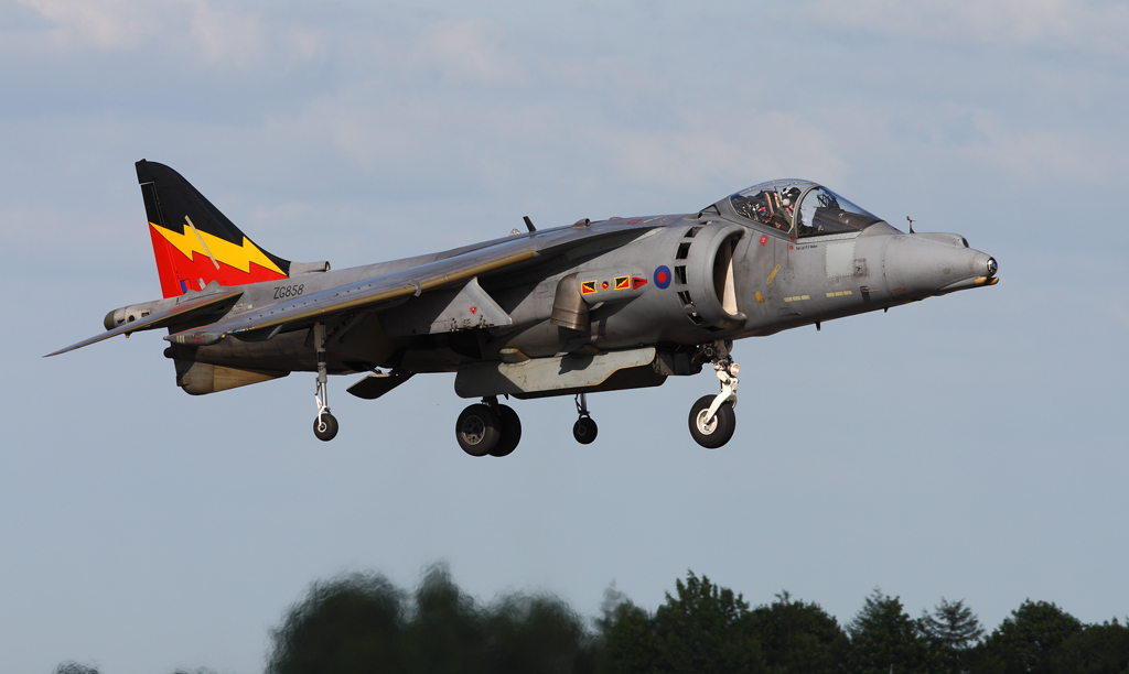 Farewell to the Harrier - 2010 and 2011 - FighterControl