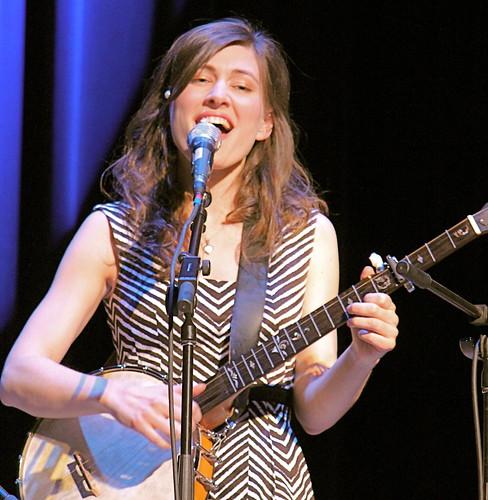 Ruth Moody sing