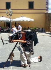 Old School Selfie (gerard eder) Tags: people peopleoftheworld fotógrafo photograph fotograf sicilia italy italia italien sizilien taormina europa europe outdoor
