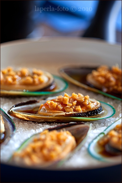 Mussels with ginger and soy sauce1