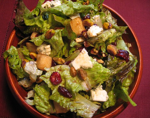 Bosc Pear, Blue Cheese, and Pistachio Salad 001