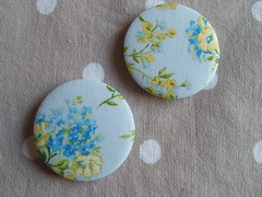 Yellow & blue floral (Lilies and Daisies) Tags: magnets badges compactmirrors