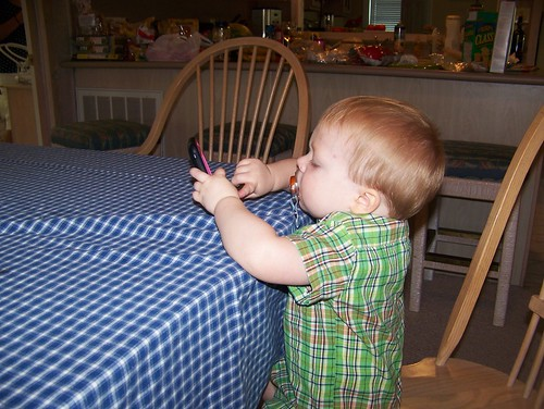 100721 Beach Vacation 04 - Coleman with iPhone