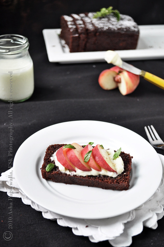 Chocolate loaf with mascarpone, peaches and basil