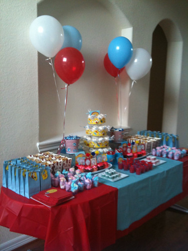 Dr Seuss 1st bday party