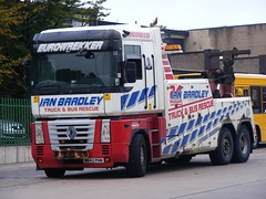 Renault Recovery Vehicle M642PHN Ian Bradley Truck & Bus Rescue (emdjt42) Tags: renault recoveryvehicle peterleebusstation m642phn