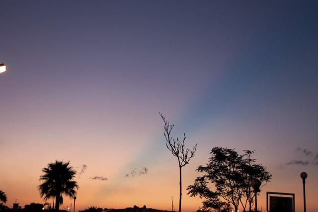 evening sky blue line