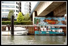 Tag au fil de l'eau (Yolanda Miel) Tags: paris france art port canon tag dessin moderne peinture bateau quai laseine